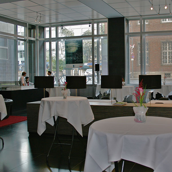 Wallraf cafe restaurant Köln Museumsfoyer